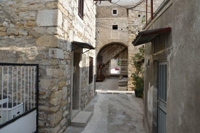 game-of-thrones_kroatien-castel_gomilica-a-13_s5e2_4227