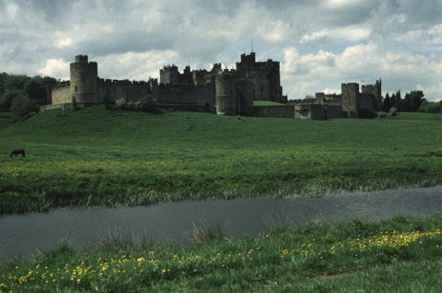 alnwick11_alnwick_castle