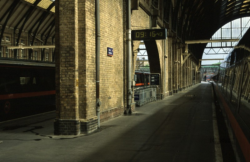 kc-06-kings-cross-x-platform-harry-potter-filmlocation-drehort