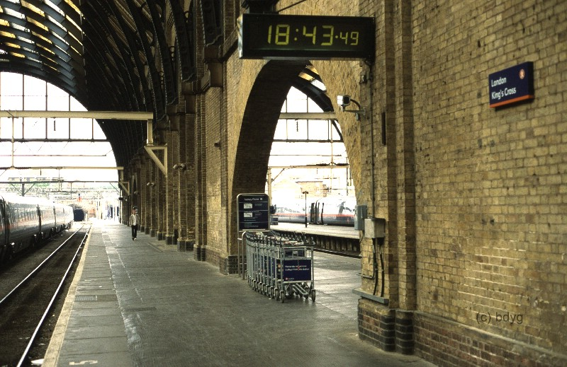 kc-08-kings-cross-x-london-harry-potter-filmlocation-drehort-hogwarts-express