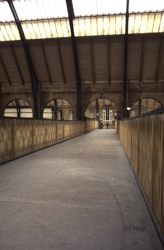 kc02h-kings-cross-x-london-harry-potter-film-location-drehort