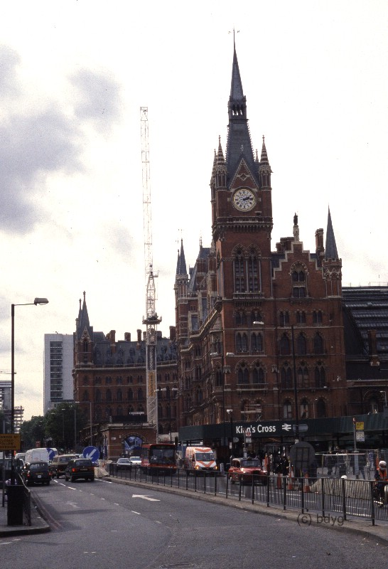 kc04h-kings-cross-x-st.-pancras-london-harry-potter-filmlocations-drehorte